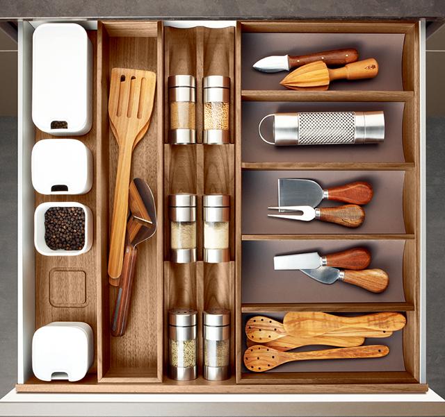 drawers system walnut_3_Schubladensystem Nussbaum