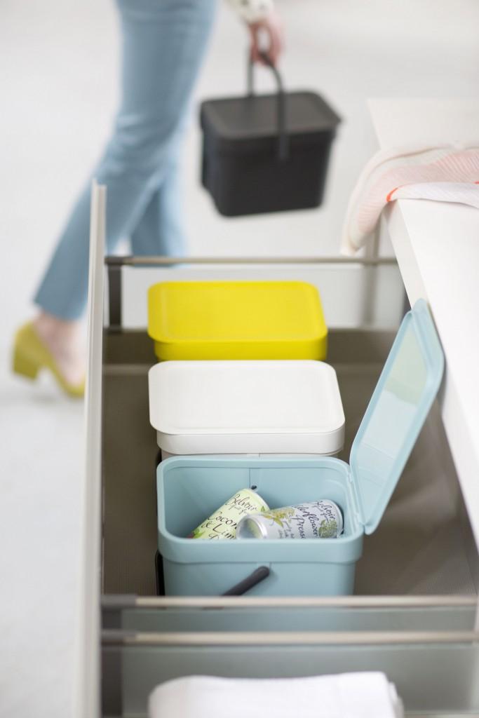 Sort&Go-Waste-Bins-Green-White-Mint_MOOD 01